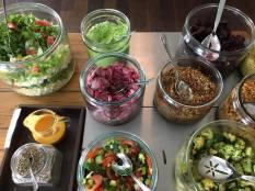 Salaatti buffet 1